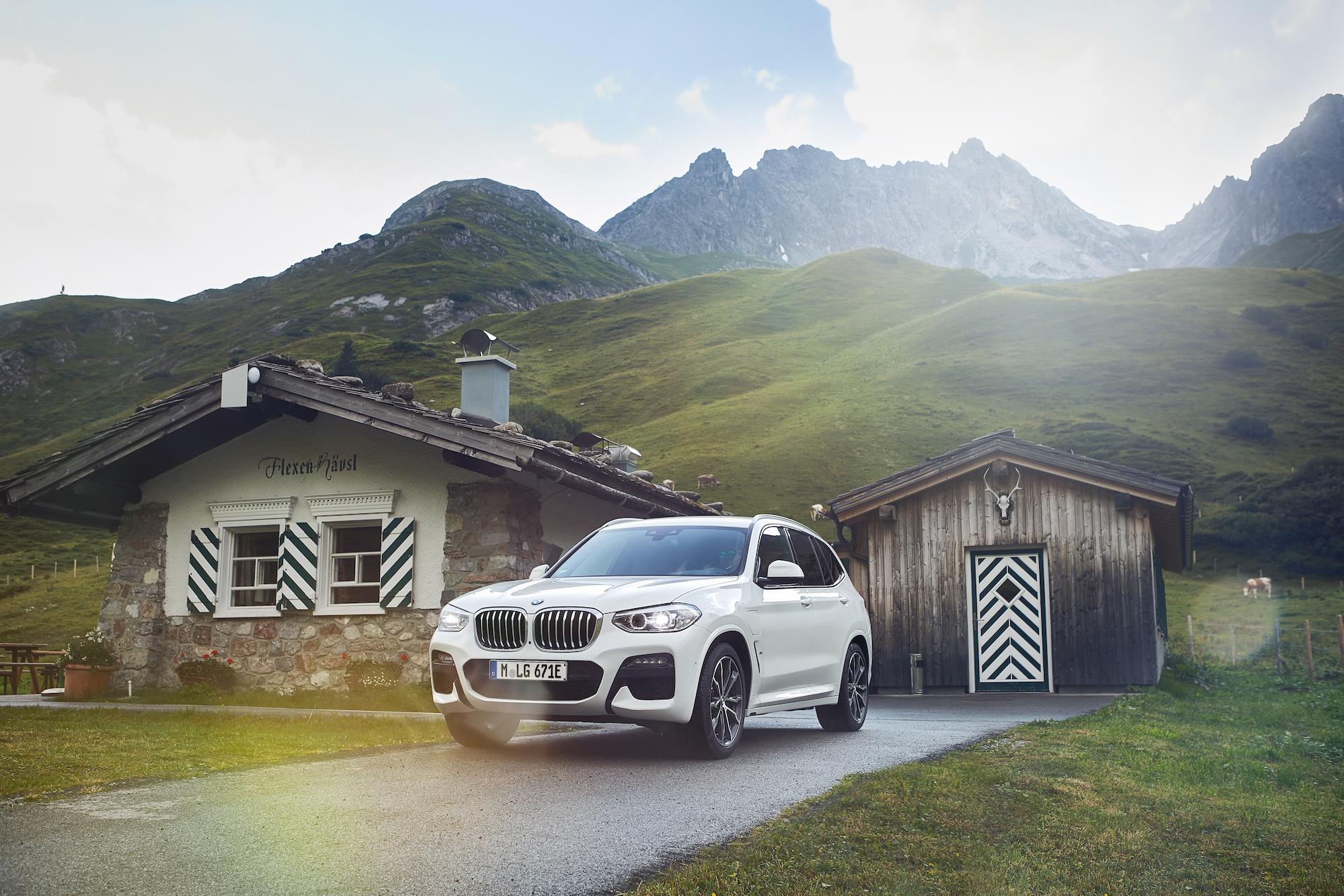 Name:  BMW_X3_xDrive30e_European_model_shown_(2).jpg Views: 4900 Size:  2.01 MB